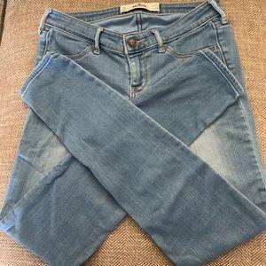 EUC  Hollister Jeans - size 5 - light blue color